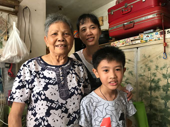 Parent-child home-visiting to the elderly